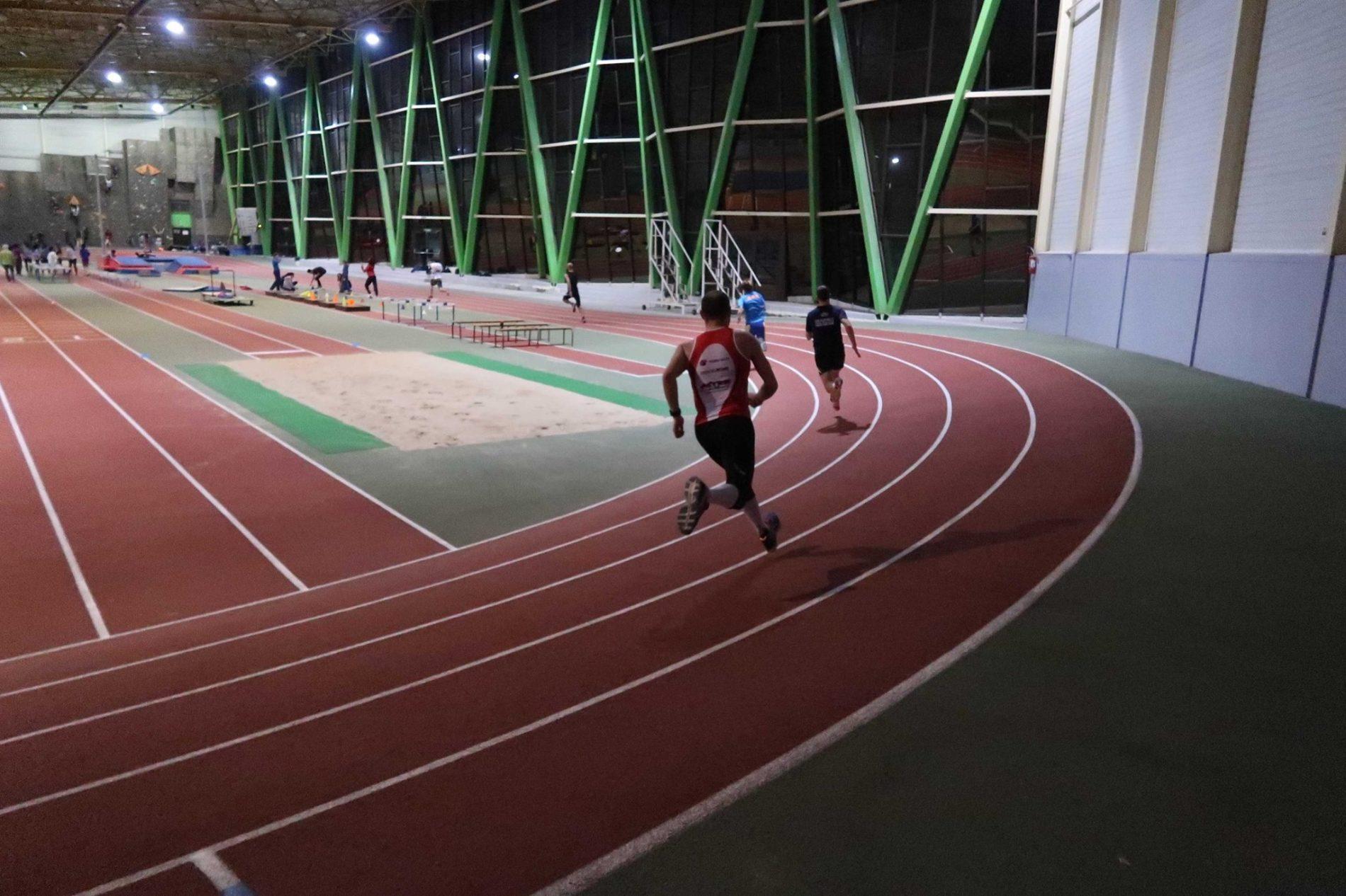 La piste Indoor de Marie-Curie à Nogent sur OIse