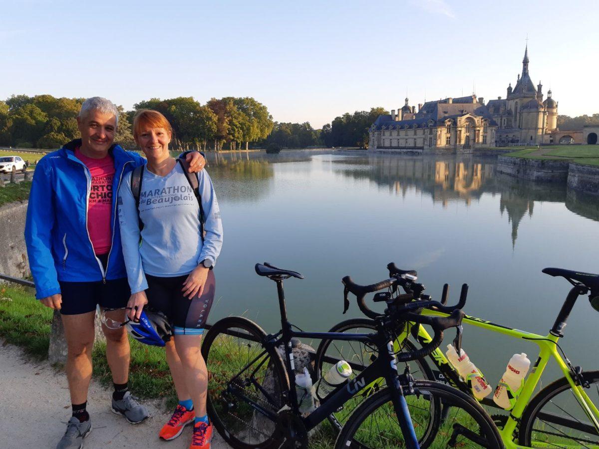 Nico et Sophie devant le château de Chantilly...